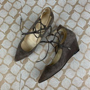 Marc Fisher Size 7.5 Willy Wedge Heel Gray Suede